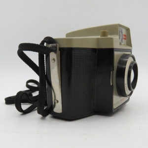 Vintage Kodak Cresta 3 Brownie camera - small chip top of body