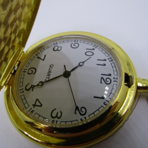 1920's Style Red Star full hunter quartz pocket watch - Hachette pocket watch collection #53 - working