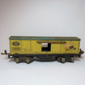 Lionel Lines Tin Train Wagon - Light rust - Babe Ruth 1679 - Sliding doors missing