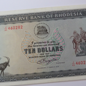 Reserve Bank of Rhodesia Ten Dollars 1 March 1976 AU+ with light creasing