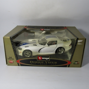 Bburago 1996 Dodge Viper GTS Coupe model car in box - scale 1/18