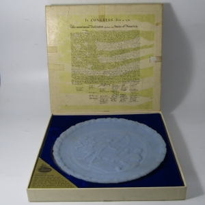 Fenton handmade glass plate in original box with certificate - A portrait of Liberty
