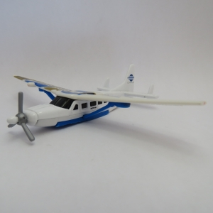 Matchbox Cirrus Cessna Caravan die-cast model plane - Pontoons removed