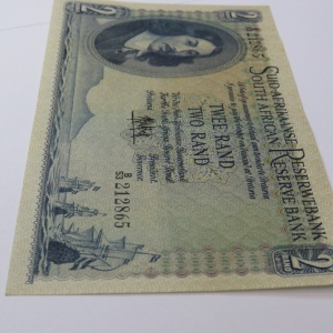 MH de Kock 4th Issue R2 banknote uncirculated with centre crease